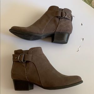 New Ankle boot shoes